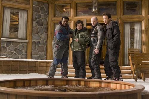 John Cusack, Clark Duke, Craig Robinson e Rob Corddry in una scena di Hot Tub Time Machine