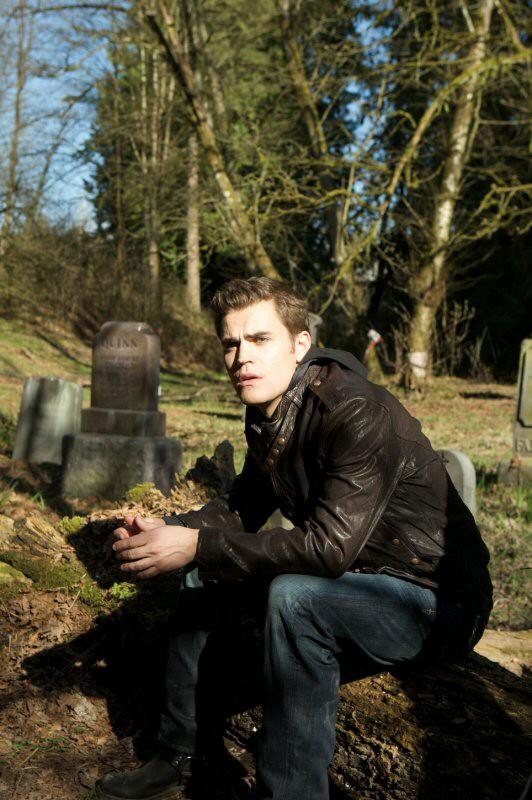 Paul Wesley in uno scatto promozionale per il Pilot di The Vampire Diaries