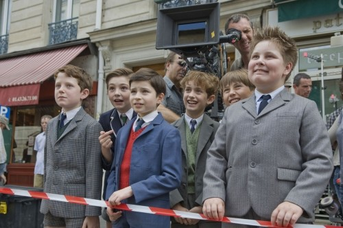 Charles Vaillant, Benjamin Averty, Maxime Godart, Victor Carles e Vincent Claude sul set de Il piccolo Nicolas e i suoi genitori