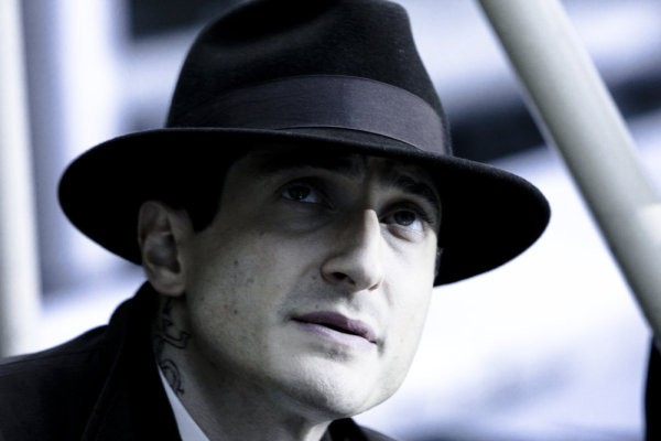 Caprica: Sasha Roiz nell'episodio End of Line