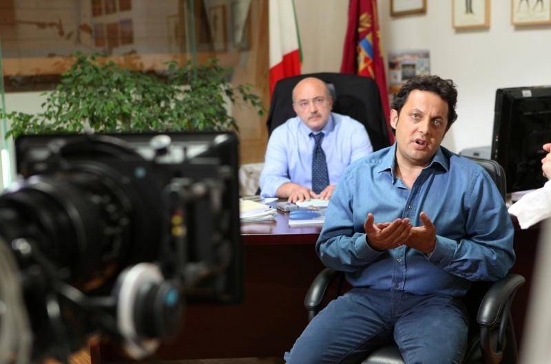 Enrico Brignano sul set del film La vita è una cosa meravigliosa