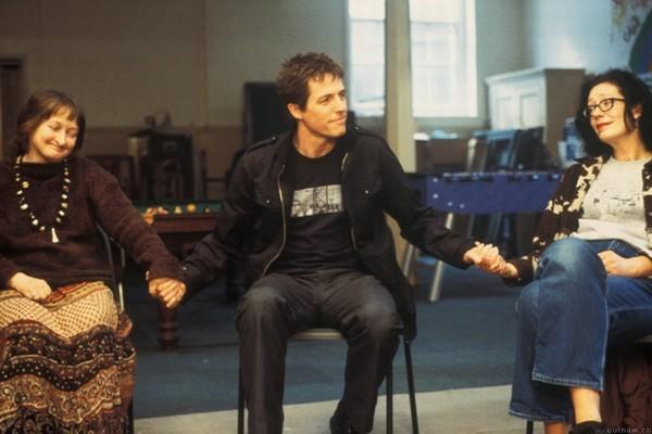 Hugh Grant (Will) in una scena del film About a Boy.