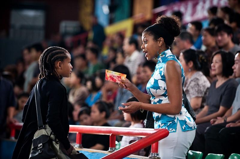 Jaden Smith e Taraji P. Henson in una sequenza del remake di Karate Kid, 2010