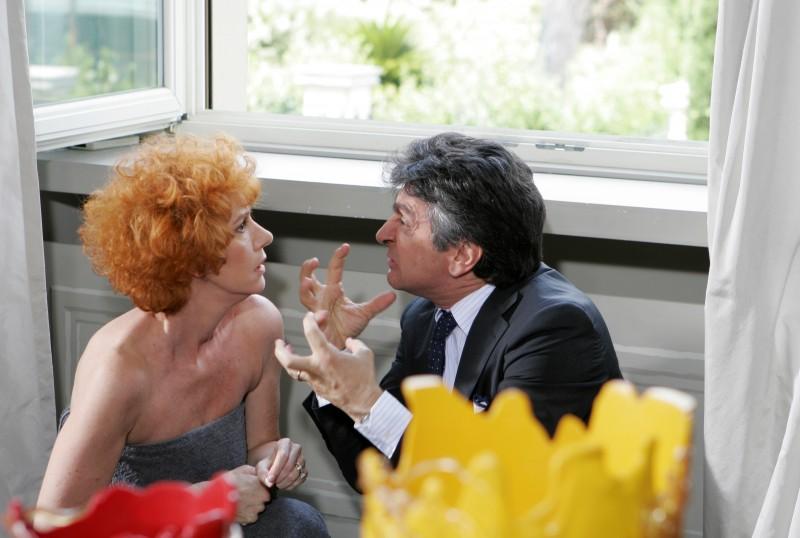 Orsetta De Rossi e Vincenzo Salemme in una scena de La vita è una cosa meravigliosa