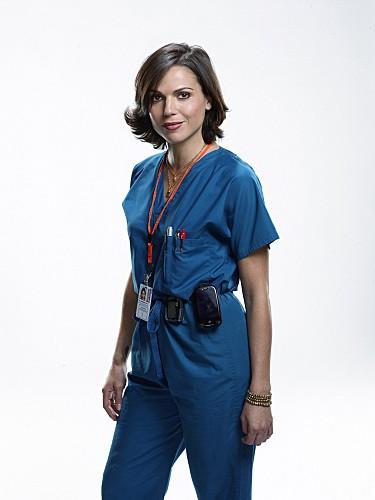 Lana Parrilla è la dottoressa Eva Zambrano nella serie Miami Medical