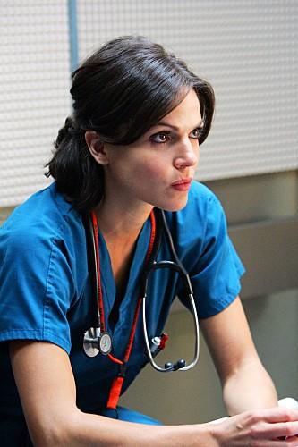 Lana Parrilla nel pilot di Miami Medical