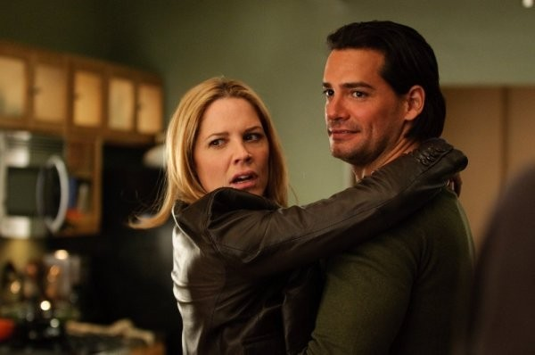 In Plain Sight: Fred Weller e Mary McCormack in un momento dell'episodio Father Goes West