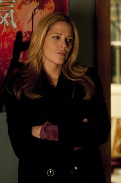 In Plain Sight: Mary McCormack nell'episodio Father Goes West