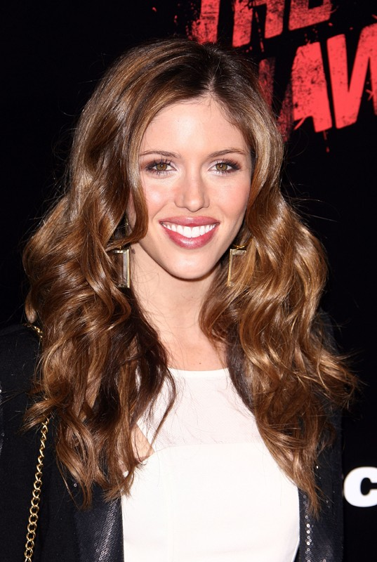 La bella Kayla Ewell alla premiere del film The Runaways a Los Angeles