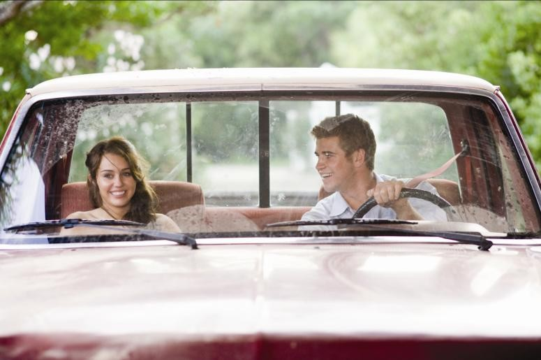 Miley Cyrus e Liam Hemsworth, innamorati per The Last Song