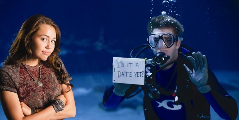 Miley Cyrus e Liam Hemsworth sul set di The Last Song