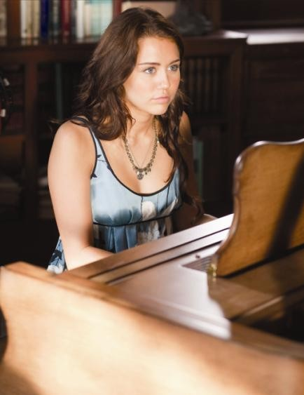 Miley Cyrus in un'immagine del film The Last Song