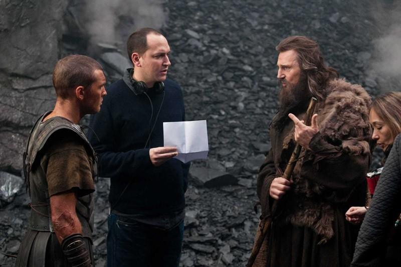 Sam Worthington (Perseo), Louis Leterrier e Liam Neeson (Zeus) sul set del film Clash of the Titans 3D