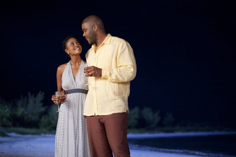 Sharon Leal e Tyler Perry in una scena del film Why Did I Get Married Too?