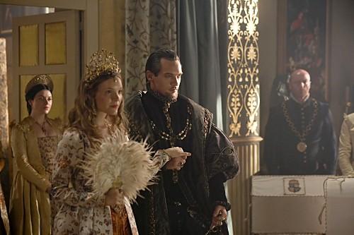 Tamzin Merchant e Jonathan Rhys Meyers in un momento della premiere della stagione 4 de I Tudors