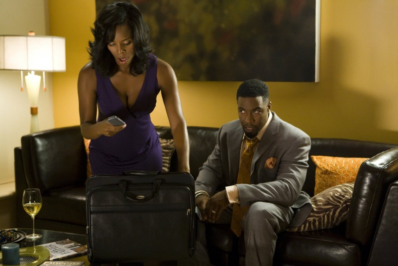 Tasha Smith e Tyler Perry in una scena del film Why Did I Get Married Too?