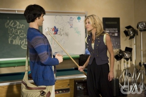 90210: AnnaLynne McCord e Michael Steger in un momento dell'episodio Clark Raving Mad