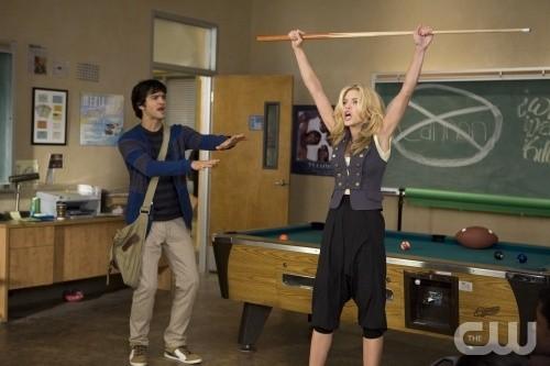 90210: AnnaLynne McCord e Michael Steger in una scena dell'episodio Clark Raving Mad
