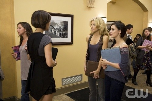 90210: Jessica Stroup, AnnaLynne McCord e Jessica Lowndes nell'episodio Clark Raving Mad