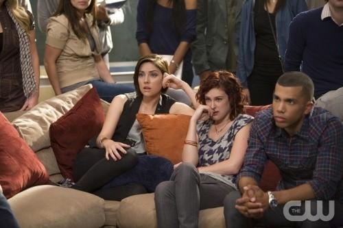 90210: Rumer Willis e Jessica Stroup nell'episodio Clark Raving Mad