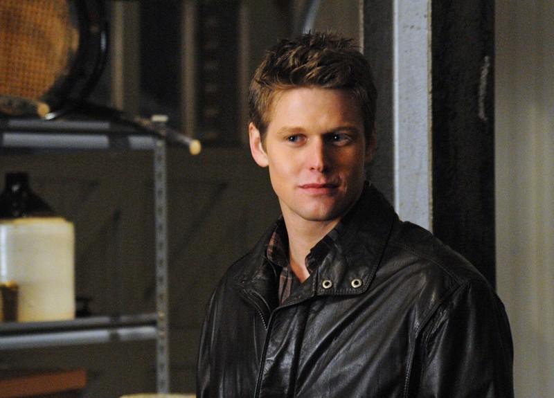 Zach Roerig in una scena dell'episodio There Goes the Neighborhood di Vampire Diaries