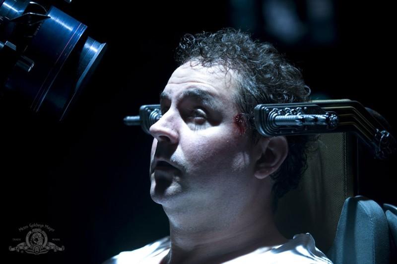 Mark Burgess in una scena dell'episodio Justice di Stargate Universe