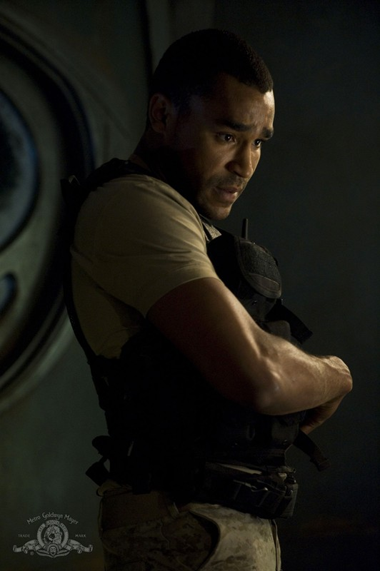 Il Sergente Greer (Jamil Walker Smith) nell'episodio Space di Stargate Universe