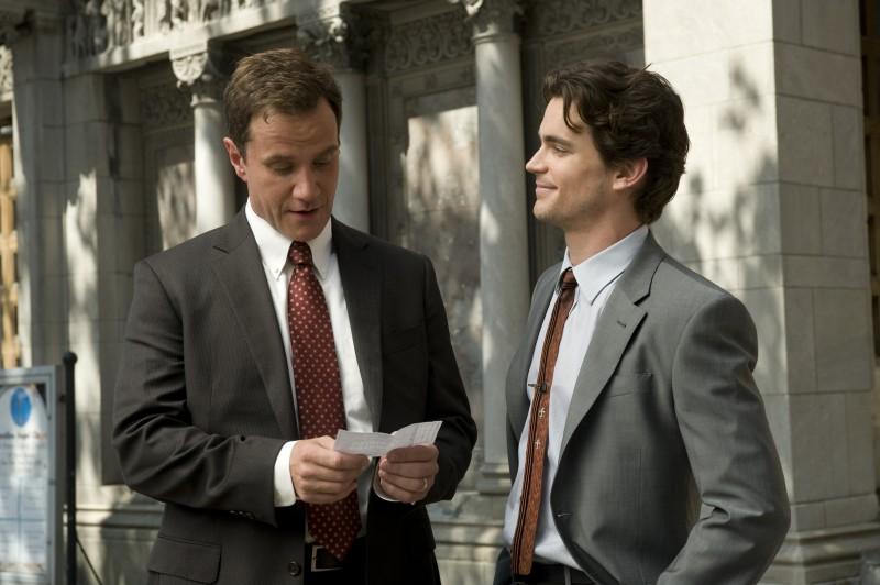 White Collar: Matthew Bomer e Tim DeKay in una scena della serie