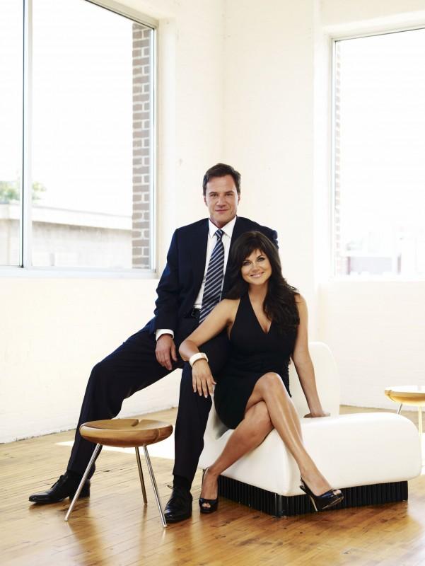 White Collar: Tim DeKay e Tiffani Thiessen in una foto promozionale della serie