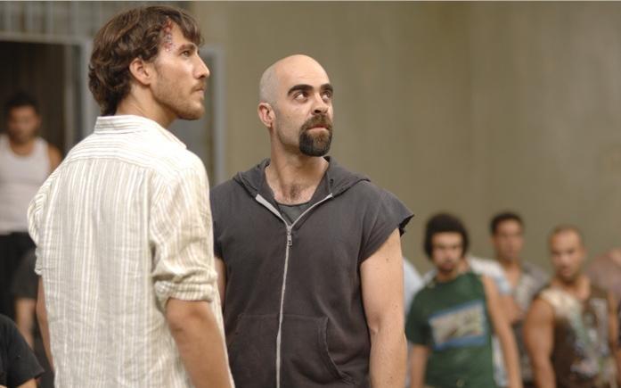 Alberto Ammann e Luis Tosar, protagonisti del film Cella 211