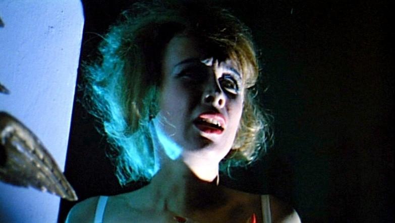 Ariana Gorini in una scena del thriller Sei donne per l\'assassino