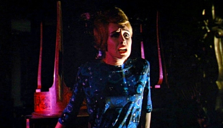 Ariana Gorini in una scena del thriller Sei donne per l\'assassino (1964)