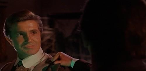 Giacomo Rossi-Stuart in una sequenza del film horror Operazione paura