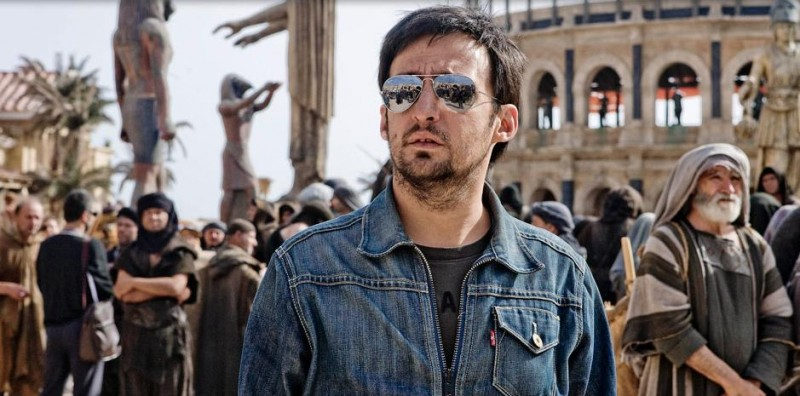 Il regista Alejandro Amenábar sul set del film Agora