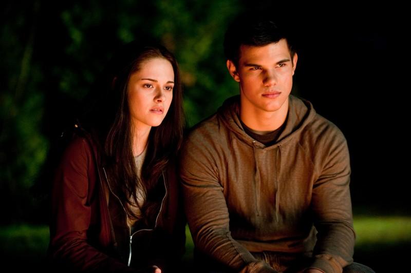 Kristen Stewart e Taylor Lautner in una sequenza del film The Twilight Saga: Eclipse