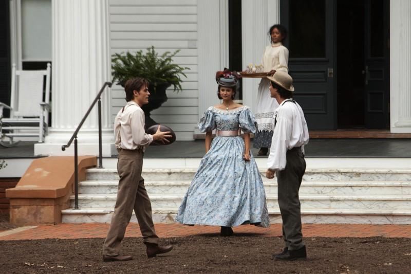Paul Wesley (Stefan), Nina Dobrev (Katherine) e Ian Somerhalder (Damon) nell'episodio Lost Girls di The Vampire Diaries
