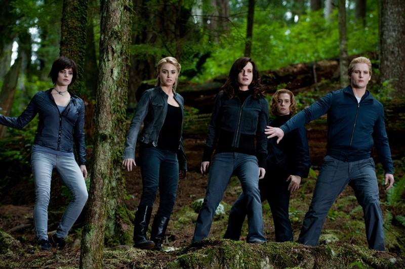 Perte della famiglia Cullen in una movimentata sequenza del film The Twilight Saga: Eclipse