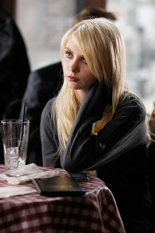 Taylor Momsen (Jenny Humphrey) nell'episodio Inglourious Basstards di Gossip Girl