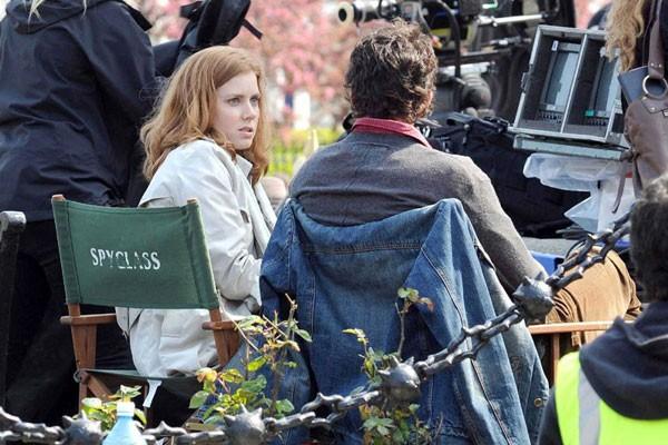 Amy Adams e Matthew Goode sul set del film Una proposta per dire sì