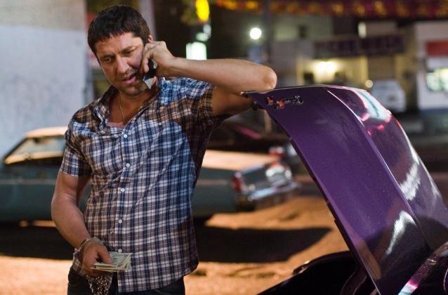 Gerard Butler nei panni di un cacciatore di taglie nel film Il cacciatore di ex