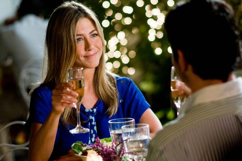 Jennifer Aniston e Gerard Butler in una scena romantica della commedia Il cacciatore di ex