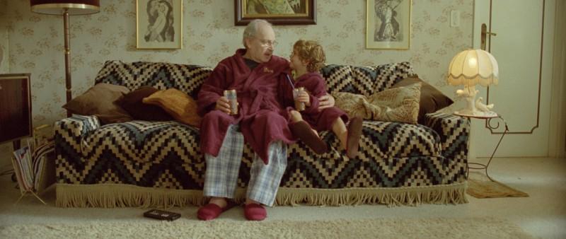 Popeck con il piccolo Nassim Ben Abdeloumen in un'immagine del film Simon Konianski
