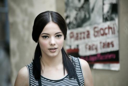Un'immagine di Laura Glavan dal film Piazza Giochi