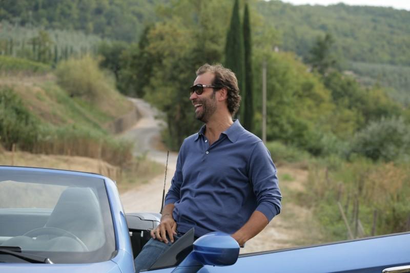 Fabio Volo, nei panni dell'arrivista Alessandro nel film Matrimoni e altri disastri