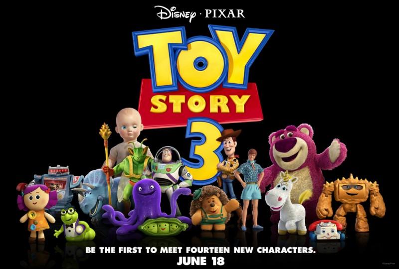 Il cast al completo di Toy Story 3:  con Dolly, Sparks, Trixie, Twitch, Buzz, Woody, Ken, Lotso, Stretch, Peas, Mr. Princklepants, Cono di Panna, il Telefono Chiacchierone, Chunk, Bimbo e Bookworm