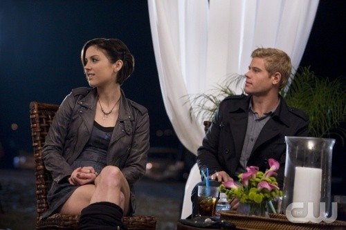 Jessica Stroup e Trevor Donovan nell'episodio Sweaty Palms and Weak Knees di 90210