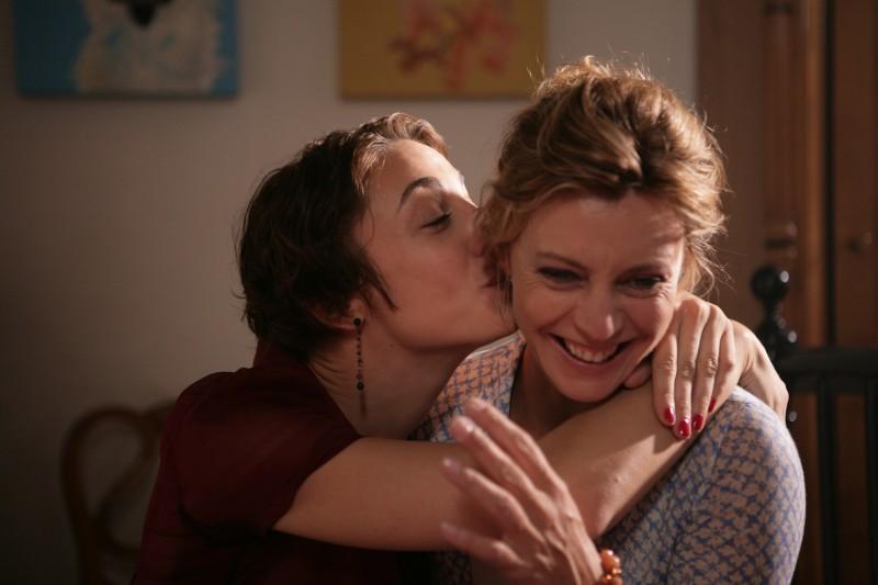Margherita Buy con Francesca Inaudi in una scena del film Matrimoni e altri disastri