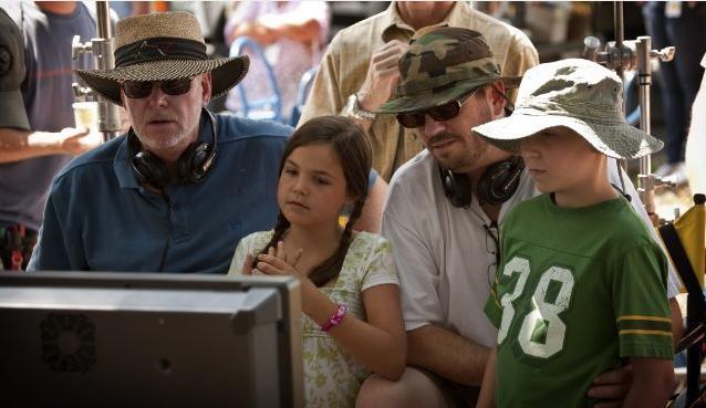 David Nixon e Patrick Doughtie con Bailee Madison e Tanner Maguire sul set del film Letters to God