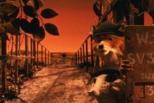 Fox e il suo complice tentano il colpo nel film Fantastic Mr. Fox