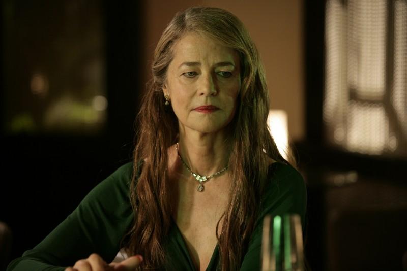 Un'austera Charlotte Rampling nel film Life During Wartime di Todd Solondz